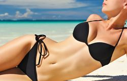 What is a reverse abdominoplasty and who needs it?